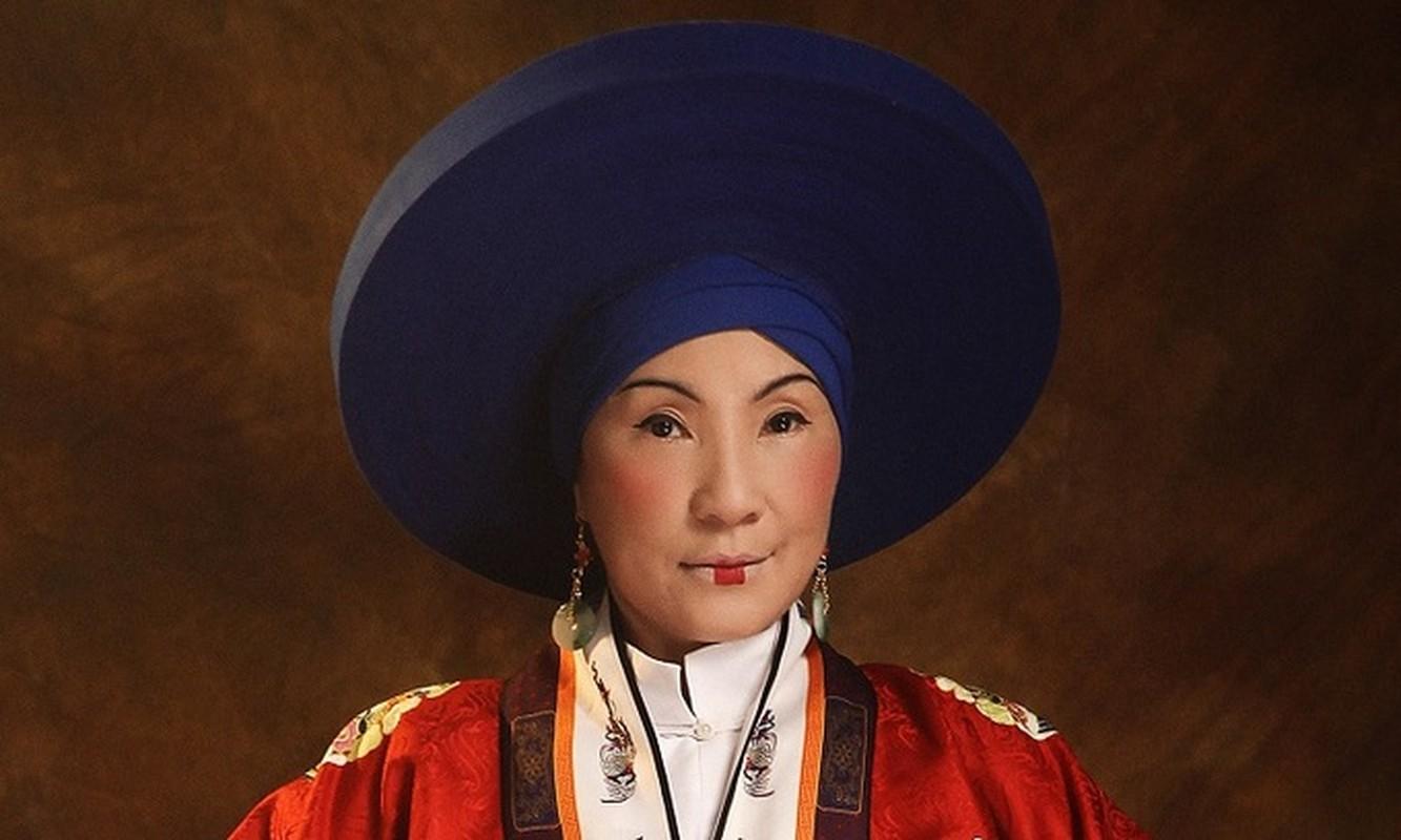 Chan dung ba hoang song qua 10 doi vua Trieu Nguyen-Hinh-10