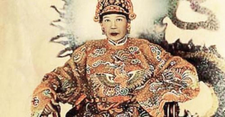 Chan dung ba hoang song qua 10 doi vua Trieu Nguyen