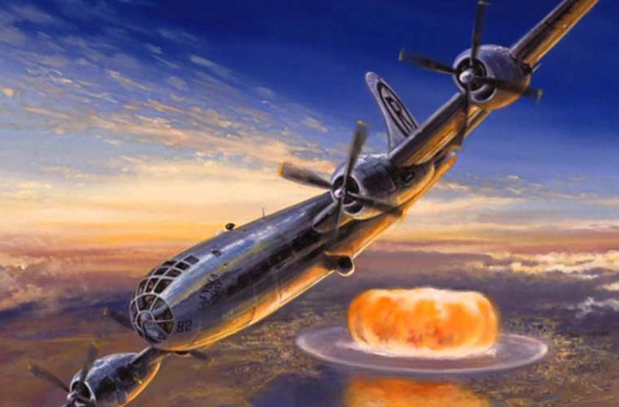 Vi sao phong khong Nhat Ban khong ban ha may bay nem bom nguyen tu?
