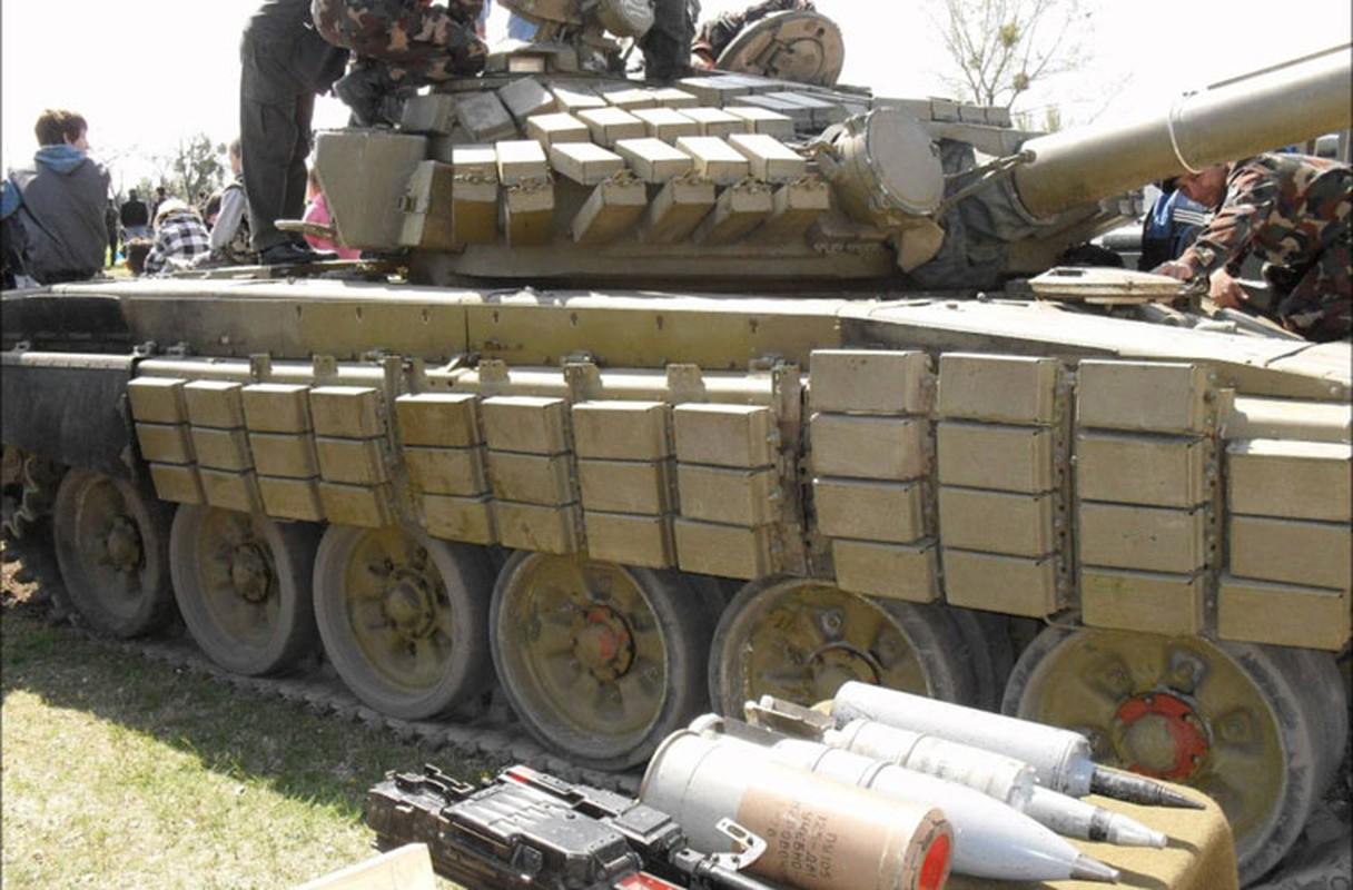 Nga chuyen giao xe tang T-72B cho Quan doi Syria?-Hinh-2