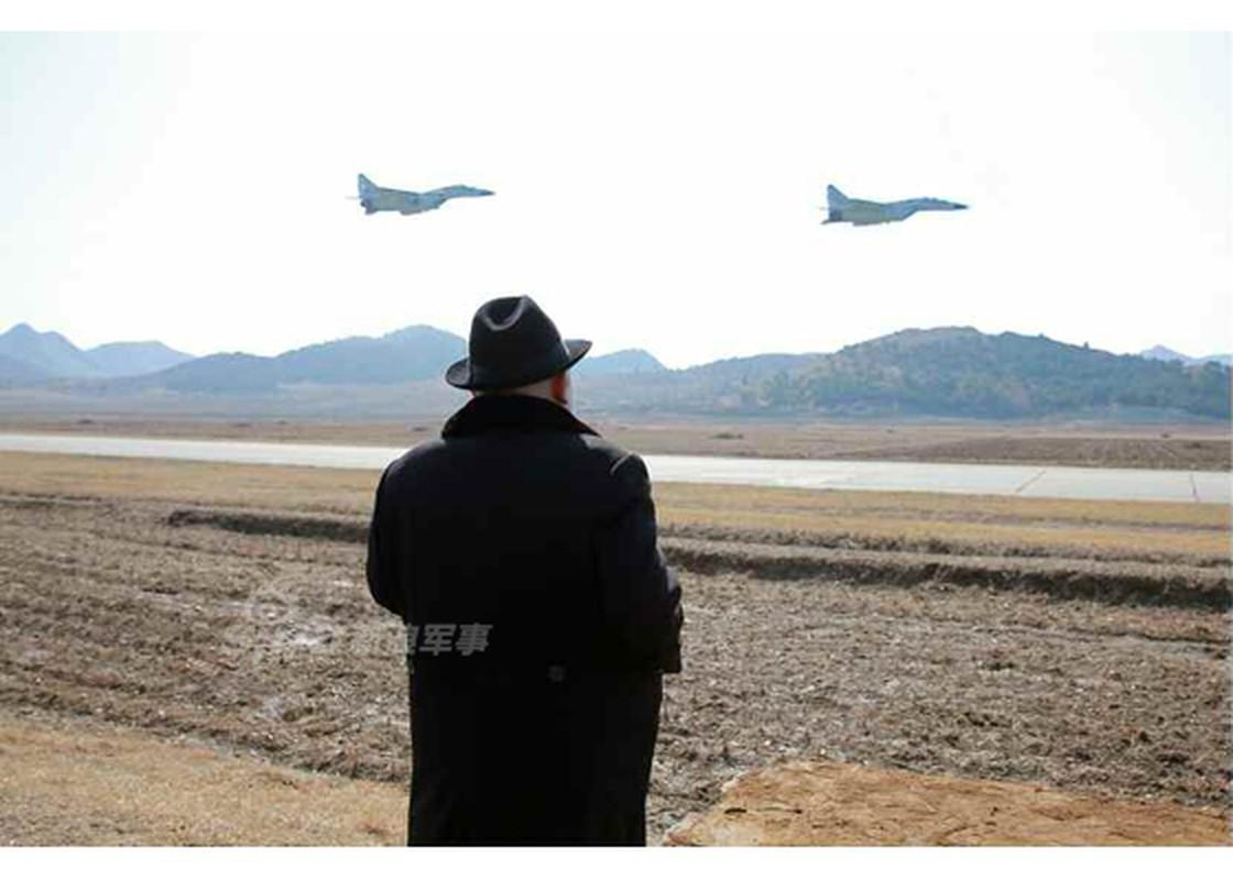 Man nhan chien dau co MiG-29, Su-25 Trieu Tien tap tran-Hinh-2