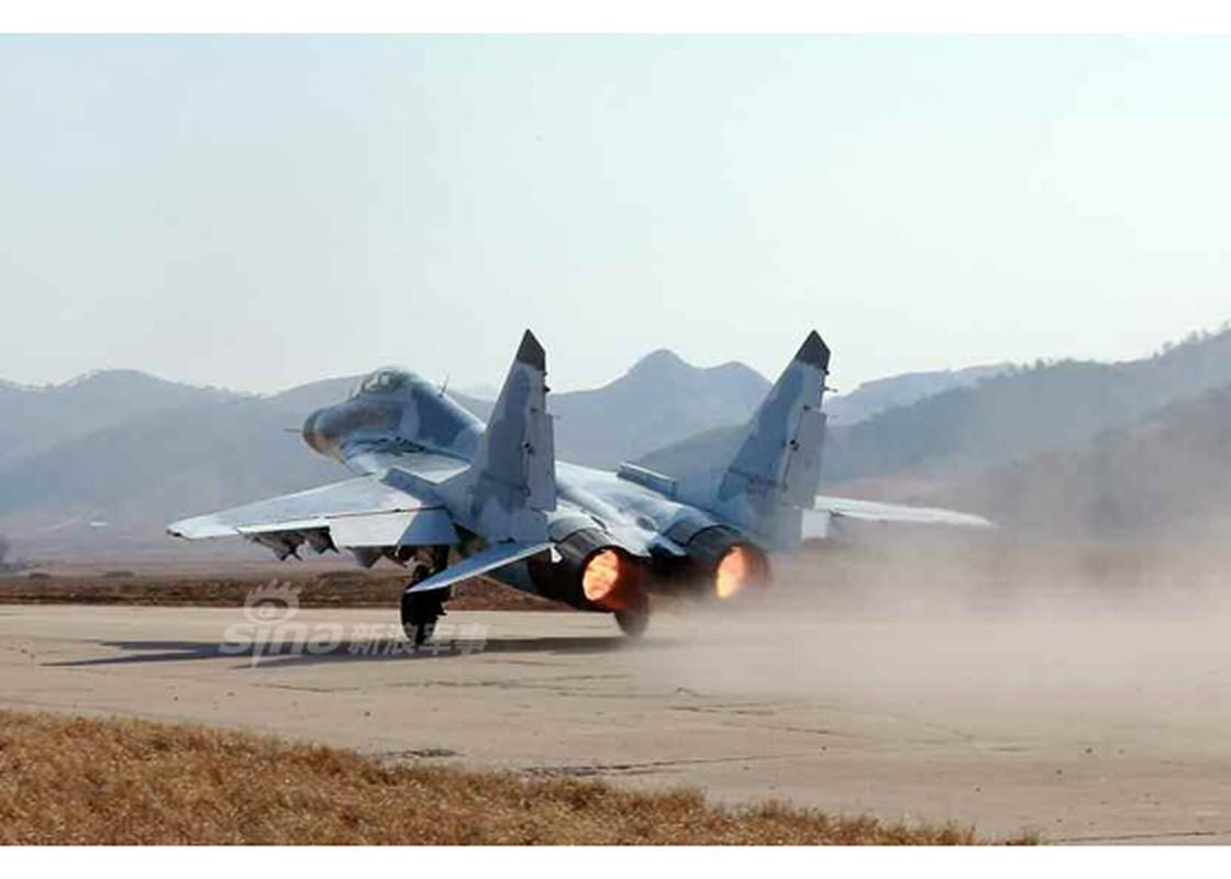 Man nhan chien dau co MiG-29, Su-25 Trieu Tien tap tran-Hinh-8