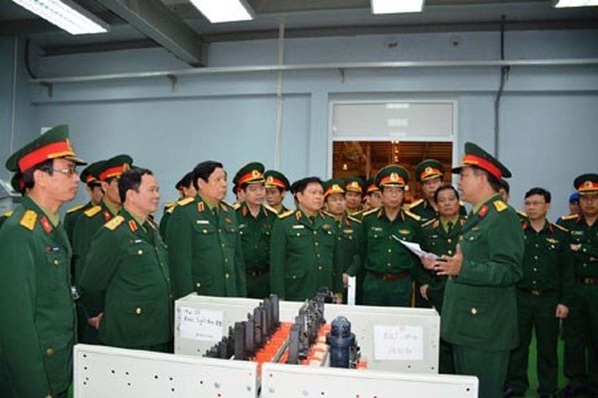 Nha may Z111 nang cao chat luong sung cho QDND Viet Nam