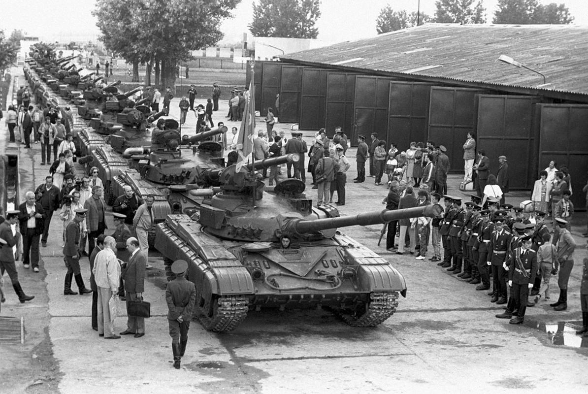 Vi sao xe tang T-64 khong duoc Lien Xo xuat khau?-Hinh-10