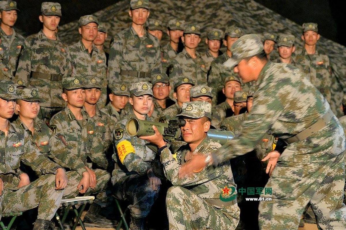 Tai sao sung phun lua PF-97 cua Trung Quoc nguy hiem?-Hinh-3