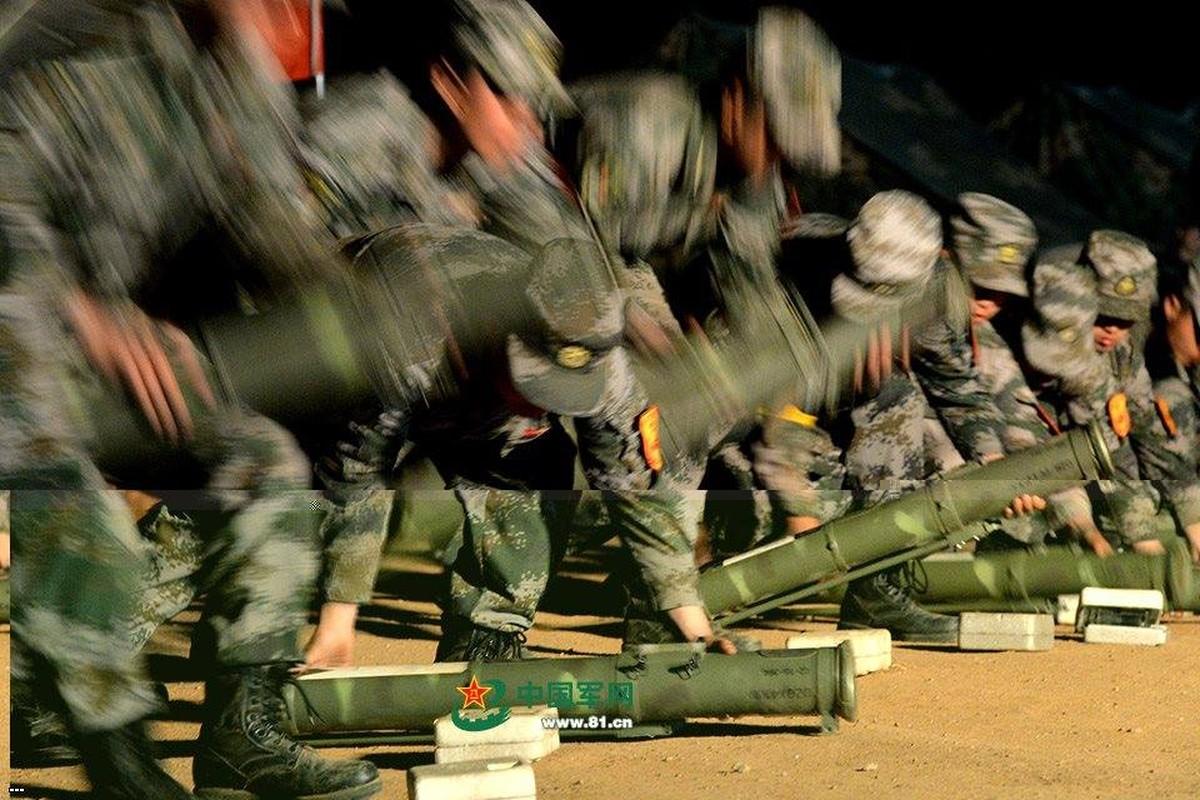 Tai sao sung phun lua PF-97 cua Trung Quoc nguy hiem?-Hinh-4
