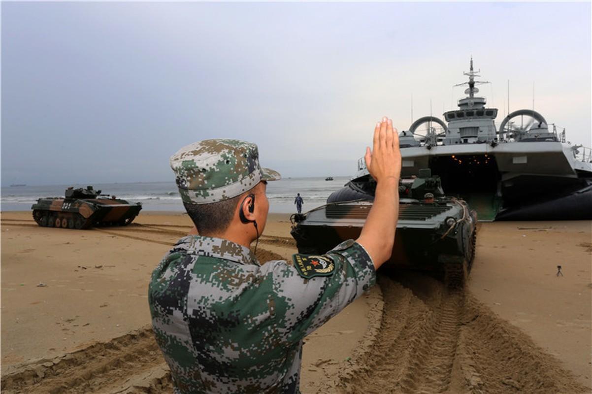 Dang ngai tau do bo Zubr cua Trung Quoc o Bien Dong-Hinh-3
