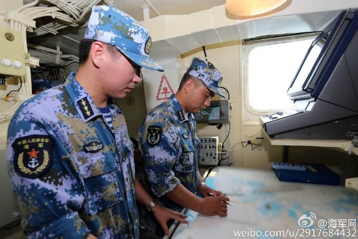 Dang ngai tau do bo Zubr cua Trung Quoc o Bien Dong-Hinh-9