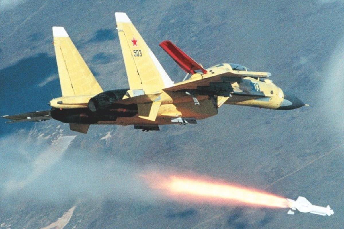 Kha nang khong chien dang cap cua tiem kich Su-30-Hinh-3