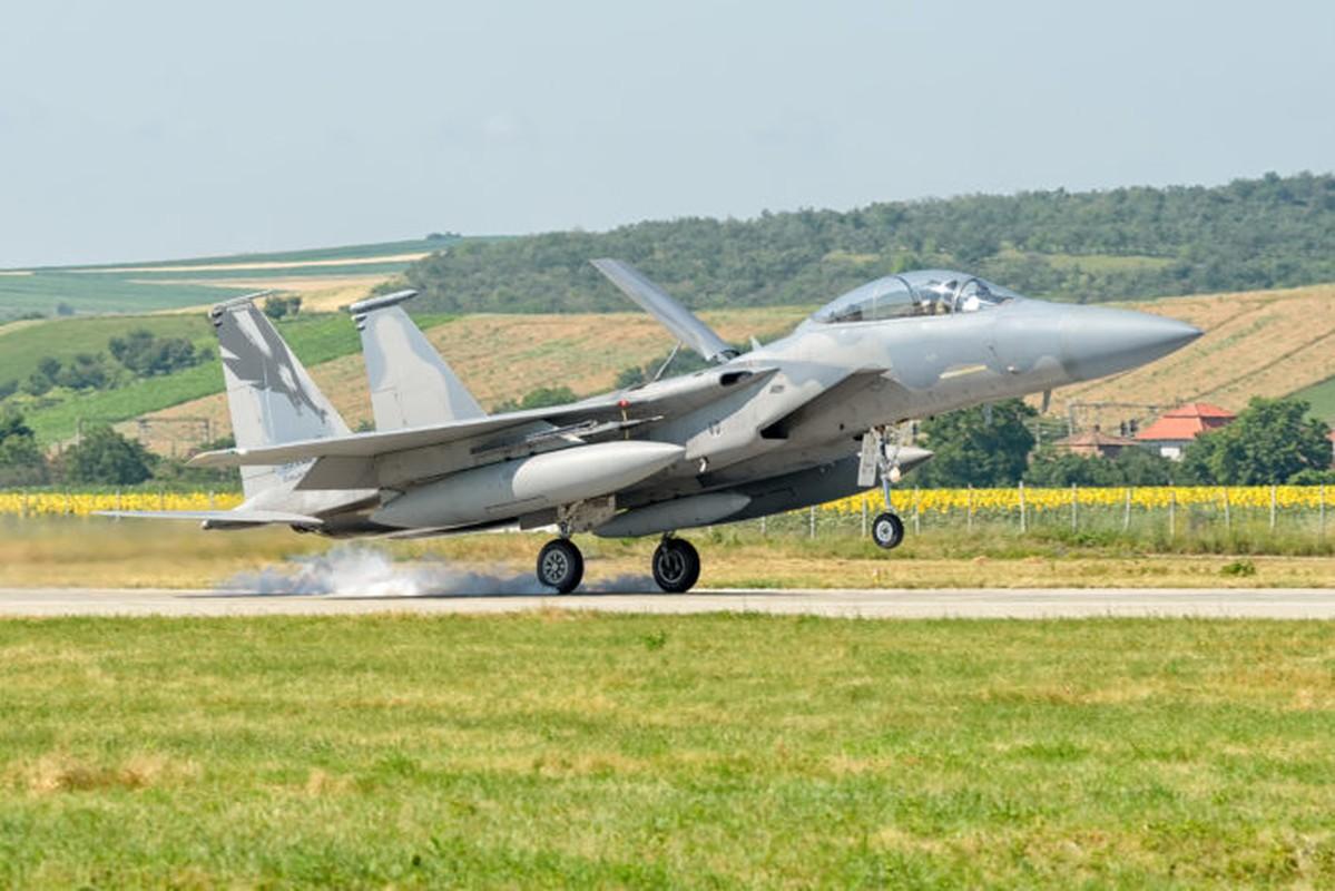 "Anh: Tiem kich MiG-21 ""song kiem hop bich"" cung F-15C My-Hinh-3"