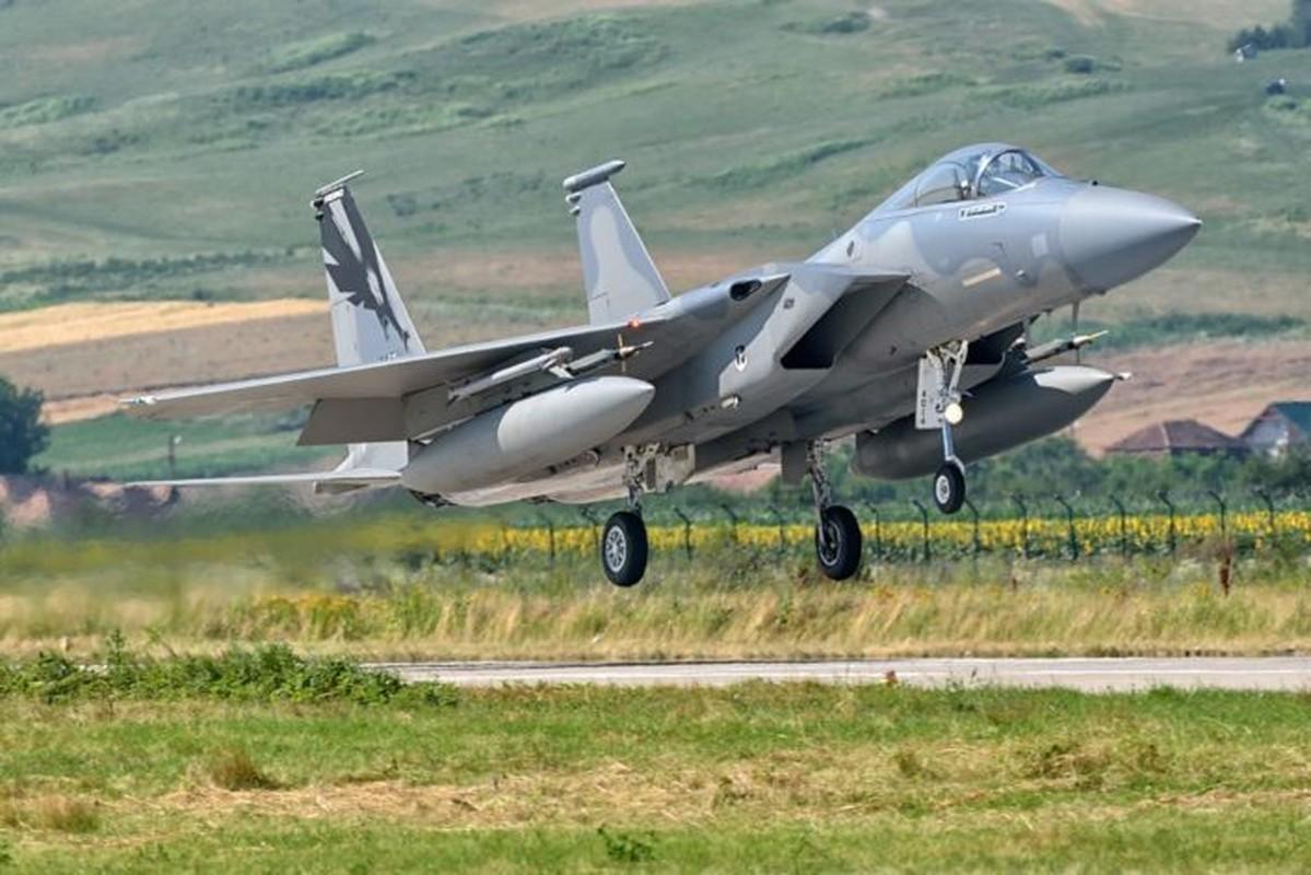 "Anh: Tiem kich MiG-21 ""song kiem hop bich"" cung F-15C My-Hinh-4"