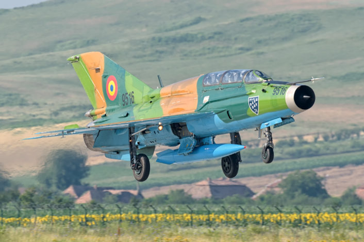"Anh: Tiem kich MiG-21 ""song kiem hop bich"" cung F-15C My-Hinh-5"