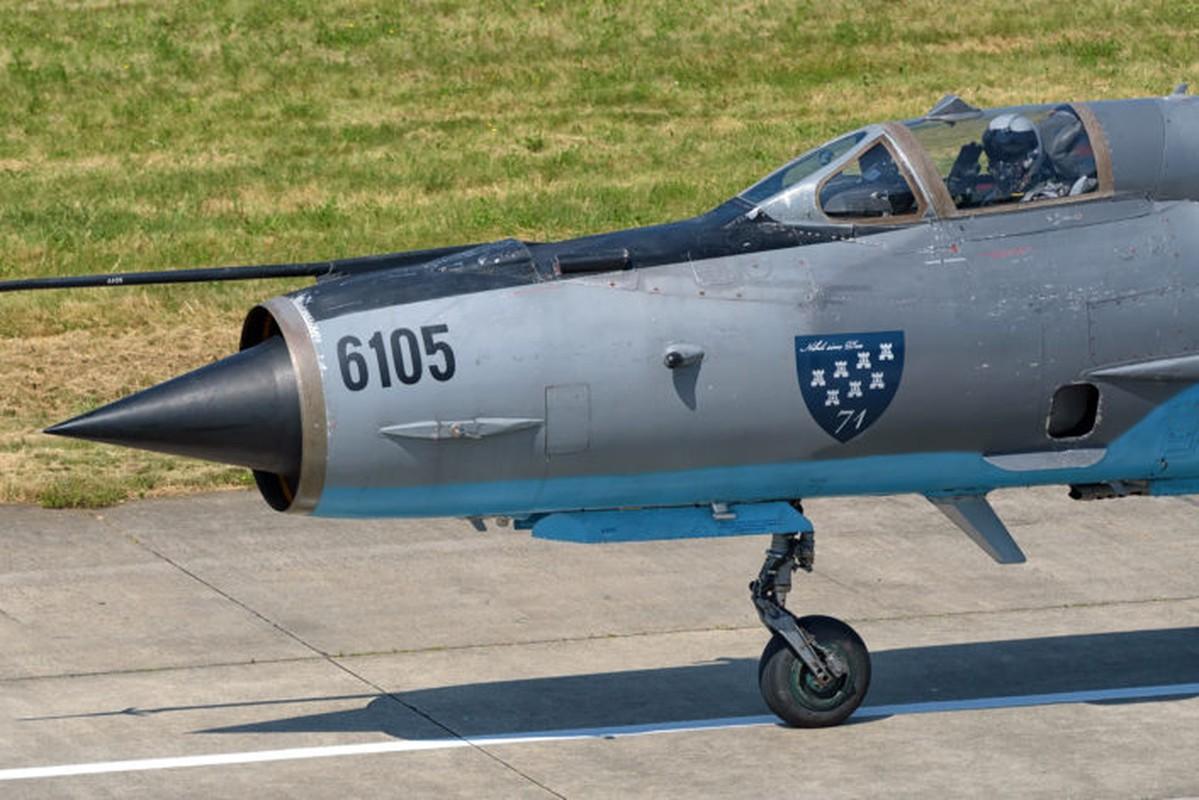"Anh: Tiem kich MiG-21 ""song kiem hop bich"" cung F-15C My-Hinh-7"