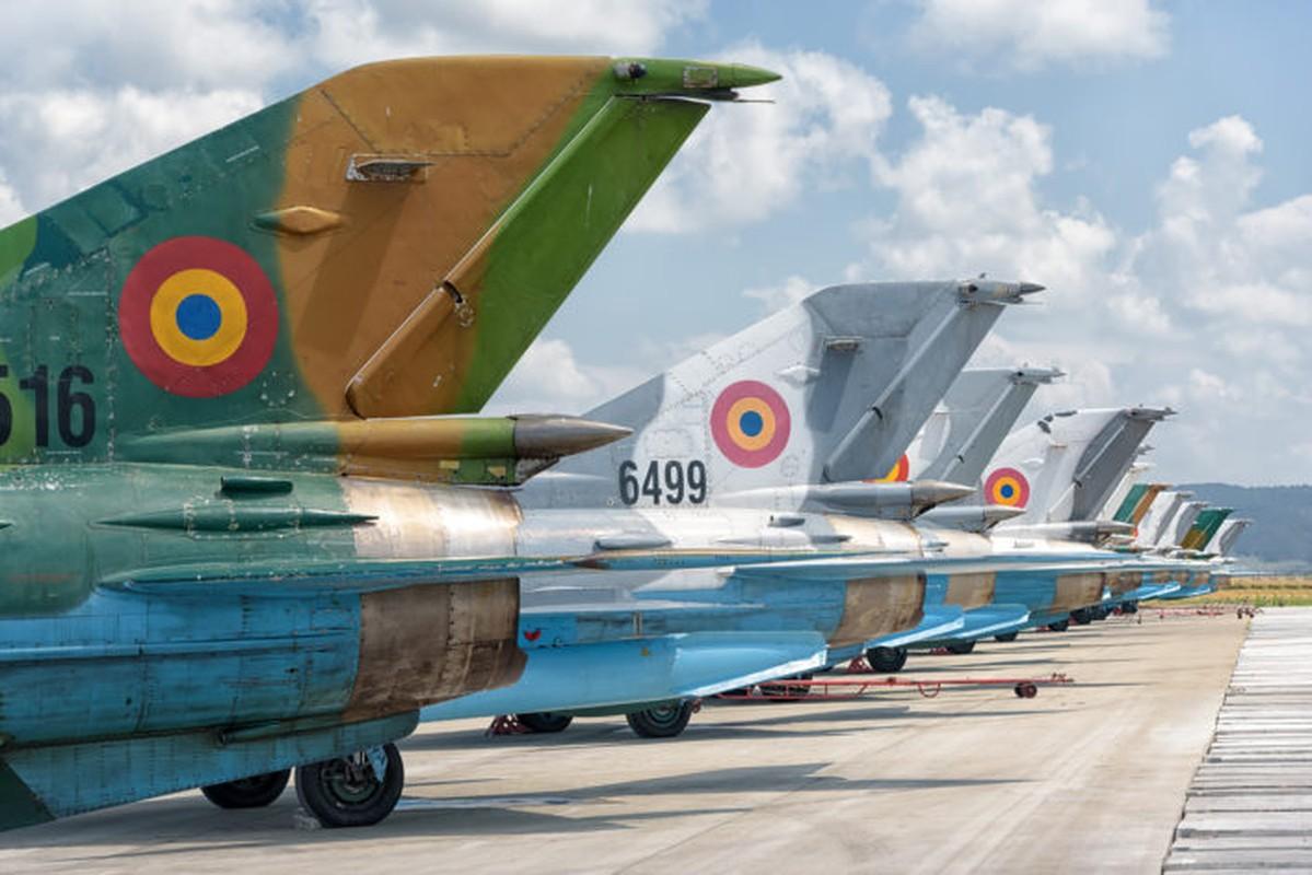 "Anh: Tiem kich MiG-21 ""song kiem hop bich"" cung F-15C My-Hinh-9"