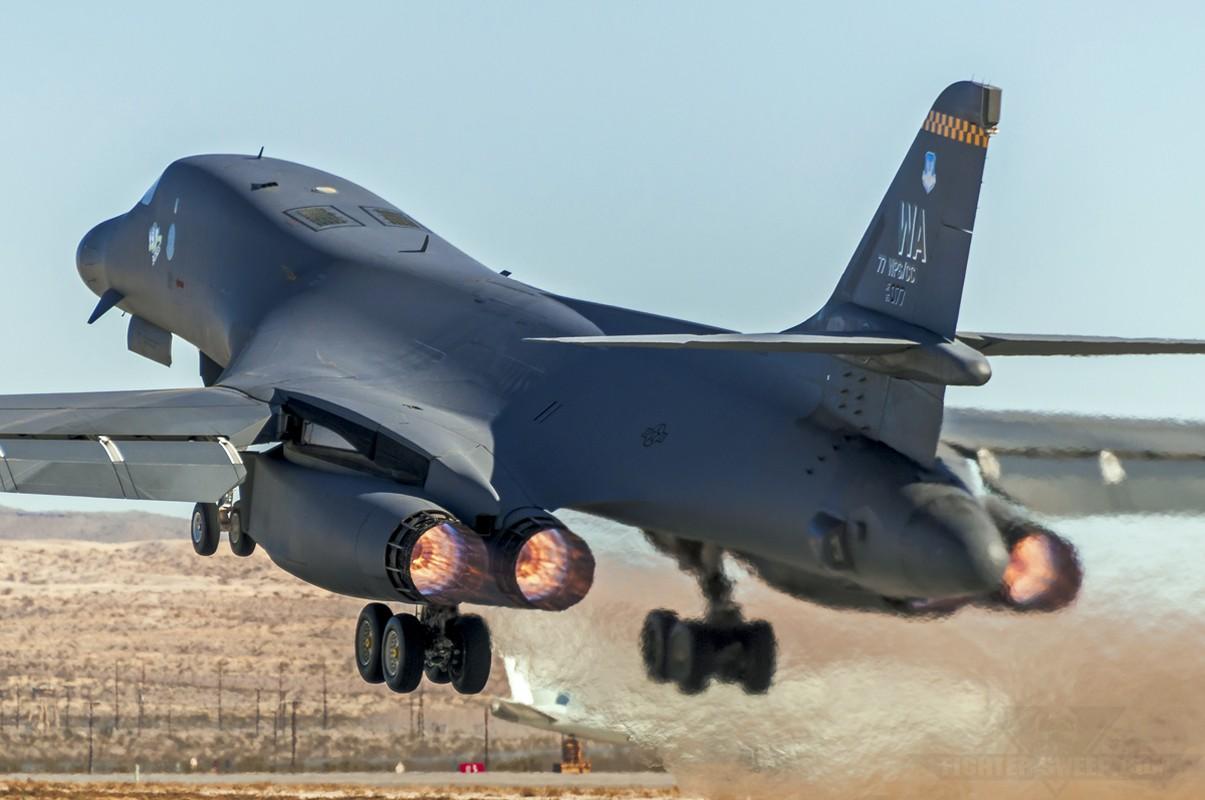 Suc manh khung khiep may bay nem bom B-1B My-Hinh-10
