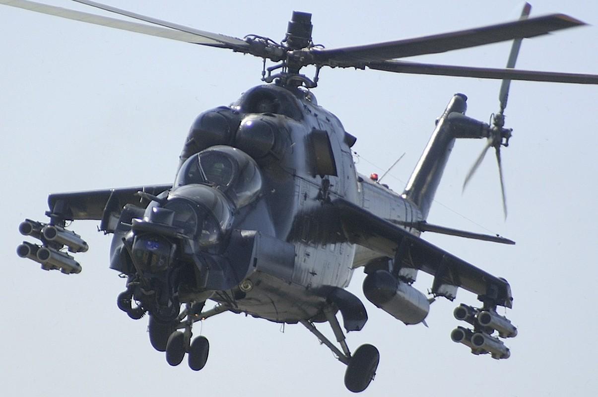 "Khiep dam hinh dang ""xe tang bay"" Mi-24 cua…Nam Phi-Hinh-11"
