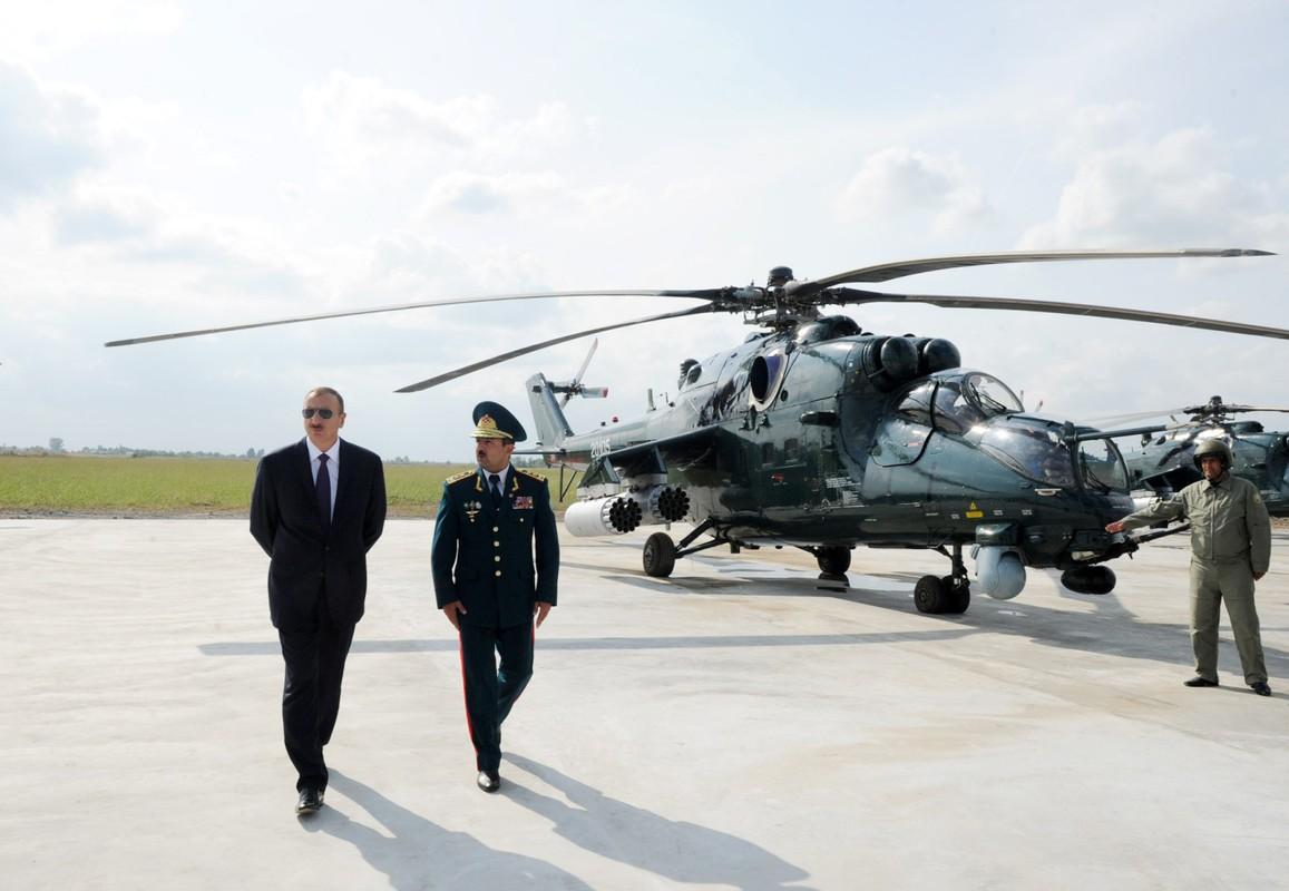 "Khiep dam hinh dang ""xe tang bay"" Mi-24 cua…Nam Phi-Hinh-3"