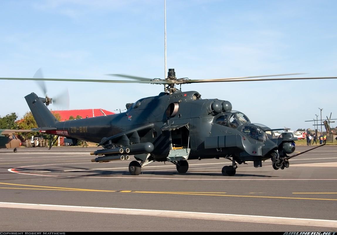 "Khiep dam hinh dang ""xe tang bay"" Mi-24 cua…Nam Phi-Hinh-4"