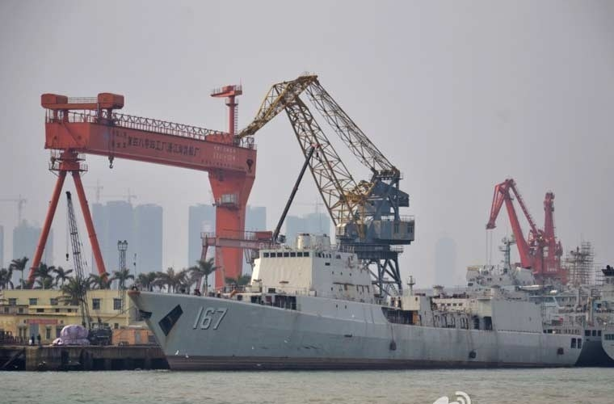 Nhan dien tau chien Type 051B Trung Quoc tung ra Bien Dong-Hinh-3