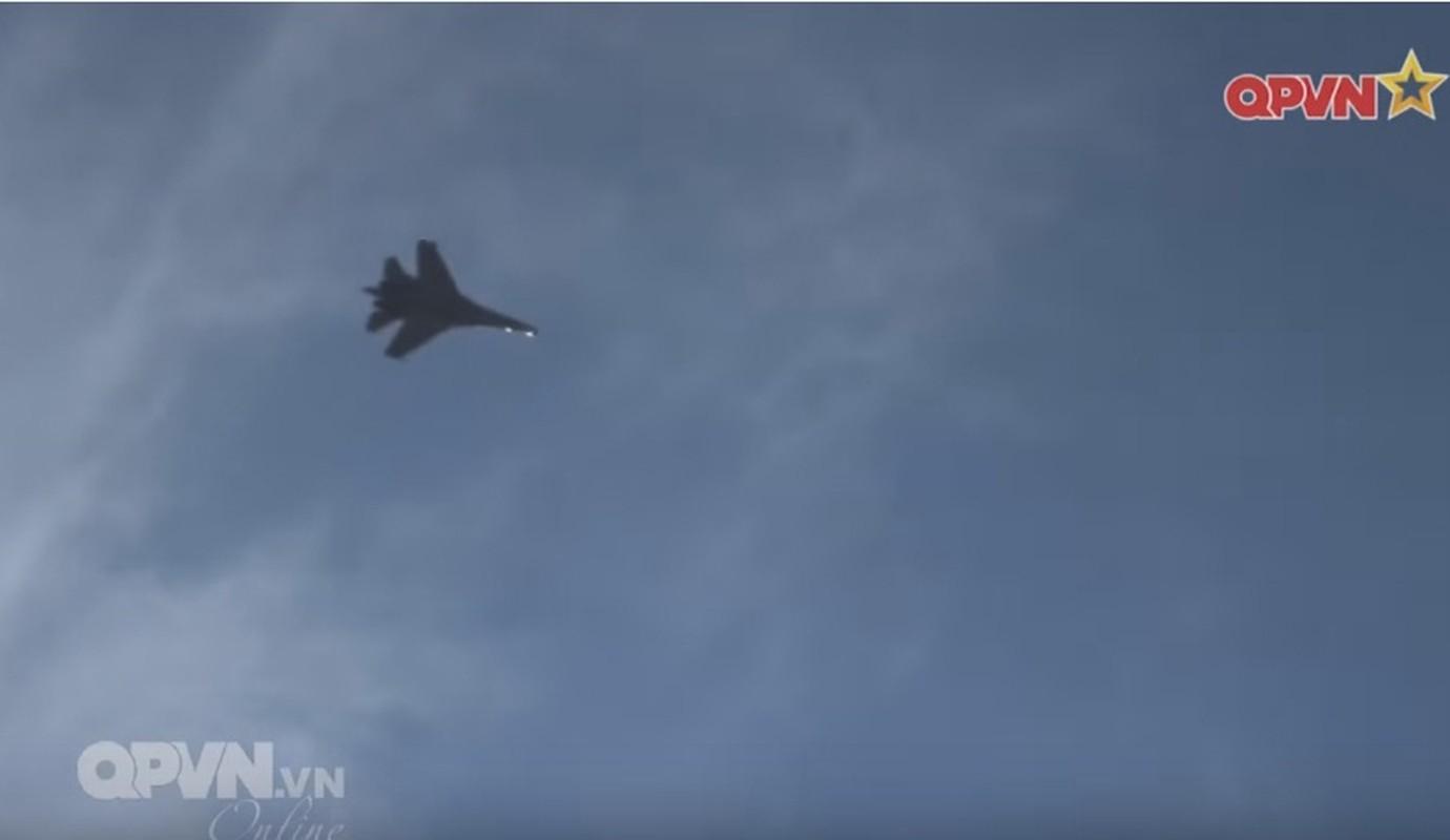 Tuyet voi: Viet Nam tu tang han su dung tiem kich Su-27-Hinh-14