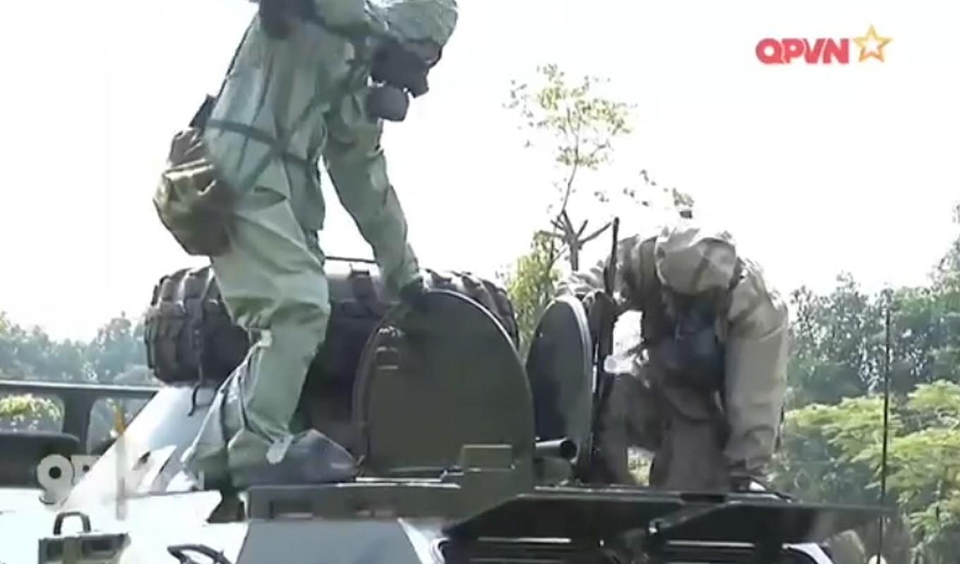 Bat ngo xe boc thep cua Binh chung Hoa hoc Viet Nam-Hinh-3