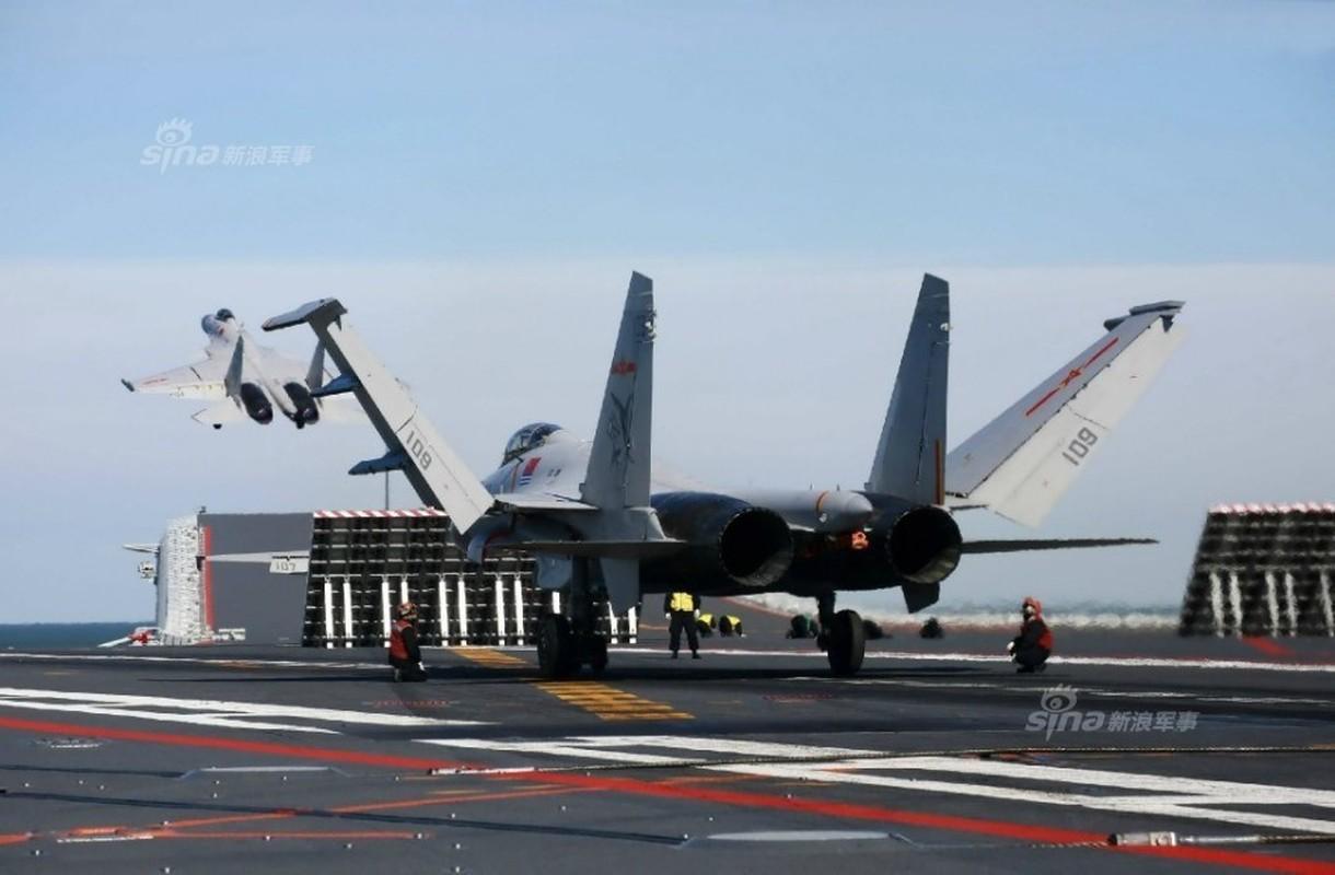 Anh: Tiem kich J-15 Trung Quoc bay tro lai sau tai nan-Hinh-2