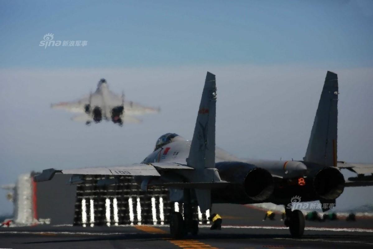 Anh: Tiem kich J-15 Trung Quoc bay tro lai sau tai nan-Hinh-4
