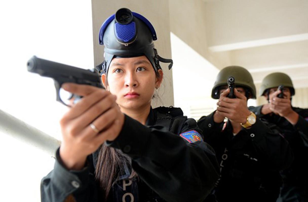 Bat ngo kho sung cua Canh sat Co dong Viet Nam (5)-Hinh-12