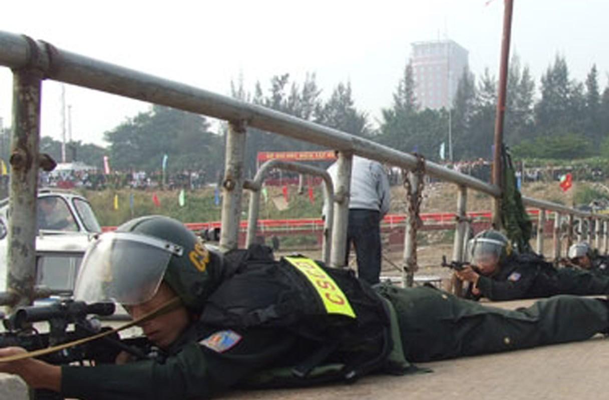 Bat ngo kho sung cua Canh sat Co dong Viet Nam (5)-Hinh-9