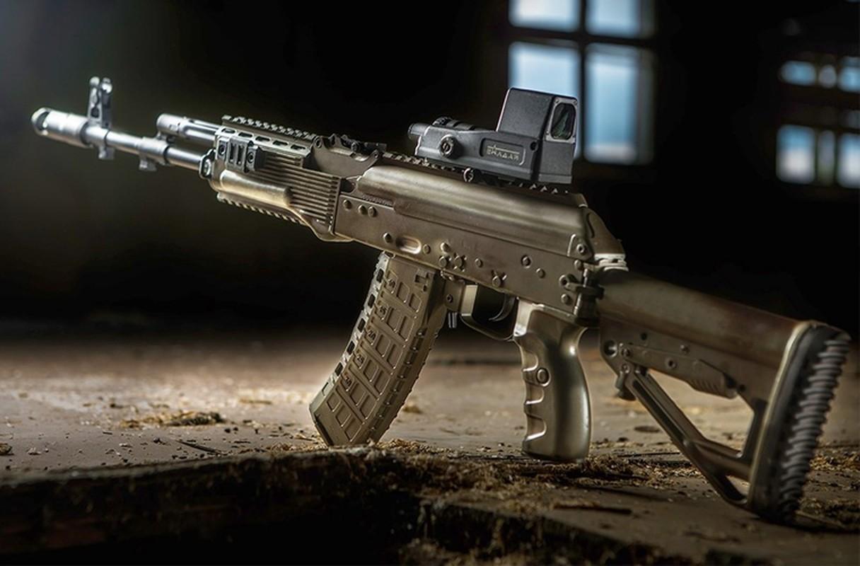 Soi dien mao moi cua sieu sung truong AK-12 Nga