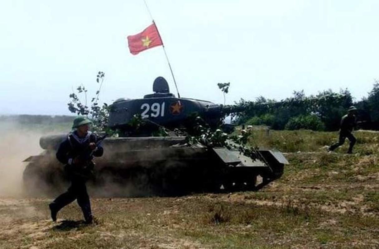 """Kinh ngac: """"Bo lao"""" T-34-85 van tham chien o Syria-Hinh-13"""