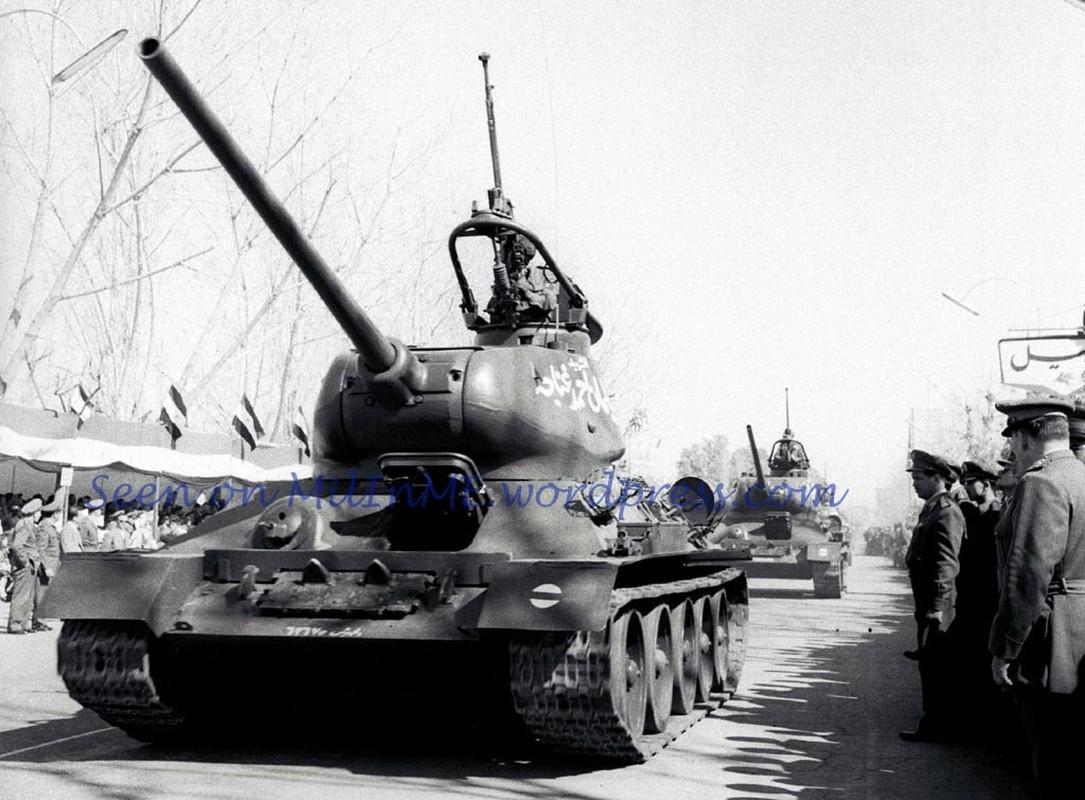 """Kinh ngac: """"Bo lao"""" T-34-85 van tham chien o Syria-Hinh-2"""