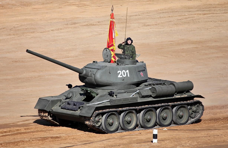 """Kinh ngac: """"Bo lao"""" T-34-85 van tham chien o Syria-Hinh-5"""