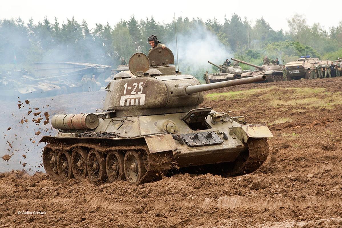 """Kinh ngac: """"Bo lao"""" T-34-85 van tham chien o Syria-Hinh-6"""