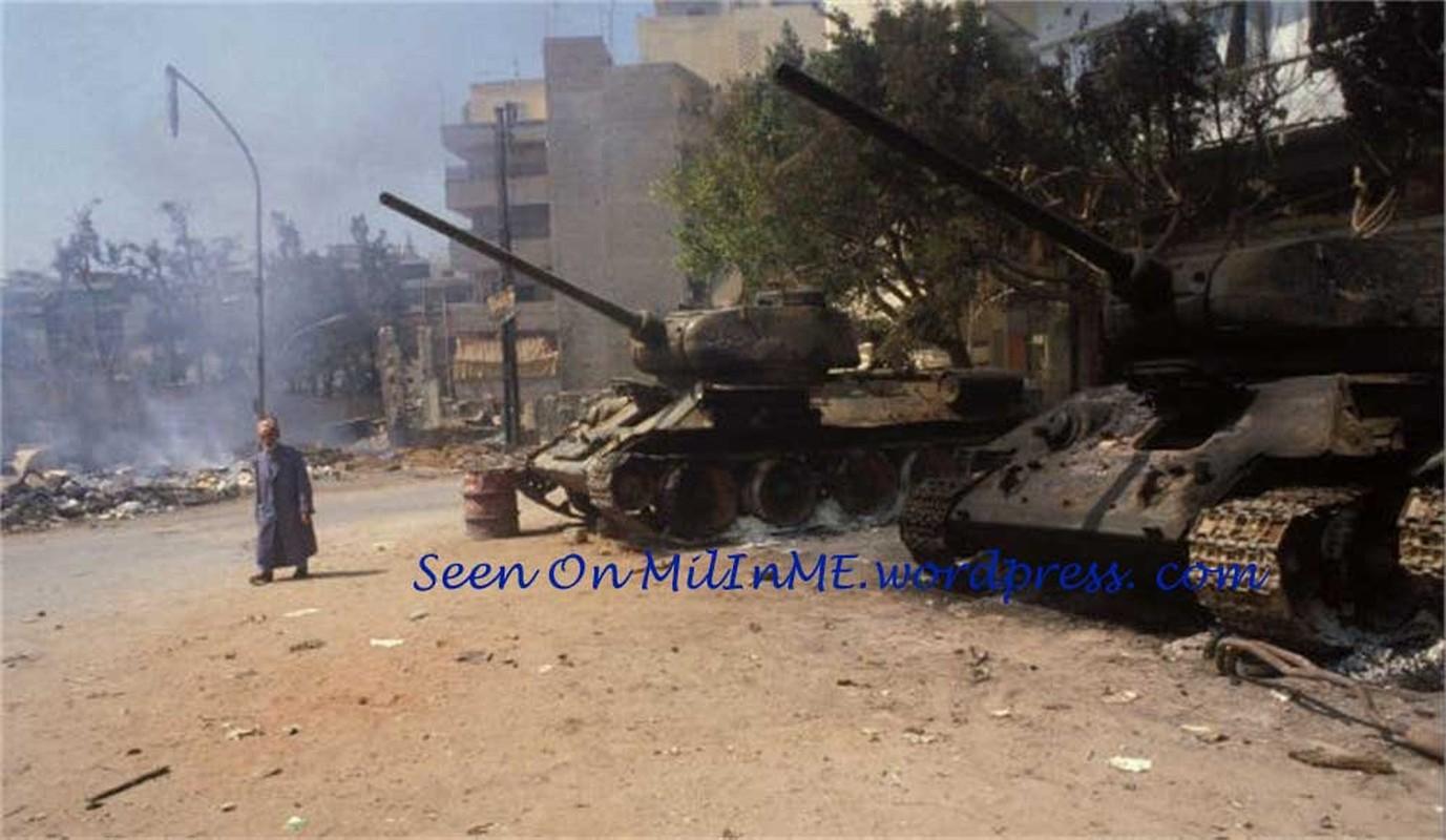 """Kinh ngac: """"Bo lao"""" T-34-85 van tham chien o Syria-Hinh-8"""