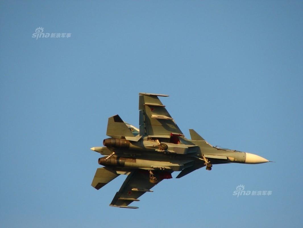 Tiem kich ham Su-33 xuat kich ram ro, NATO cang thang-Hinh-13
