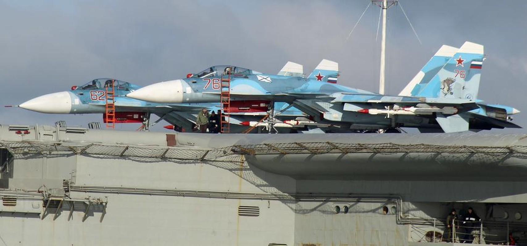 Tiem kich ham Su-33 xuat kich ram ro, NATO cang thang-Hinh-14