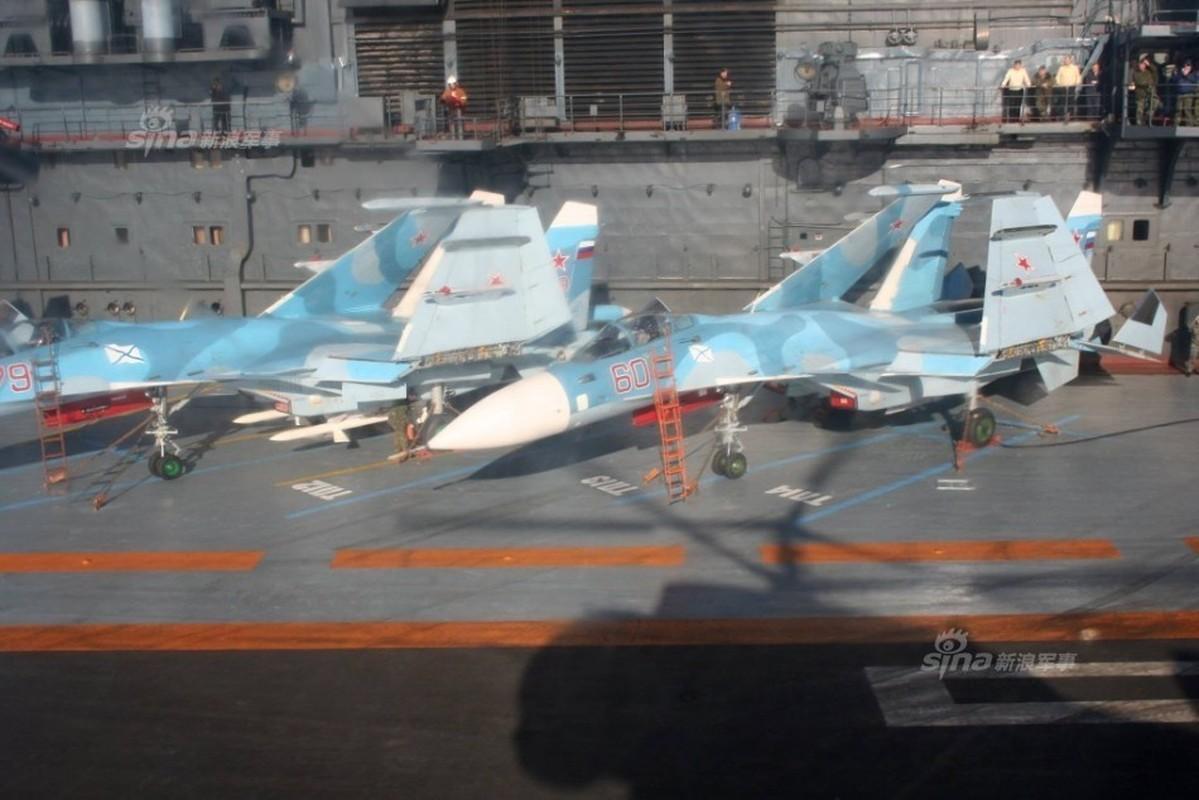 Tiem kich ham Su-33 xuat kich ram ro, NATO cang thang-Hinh-5
