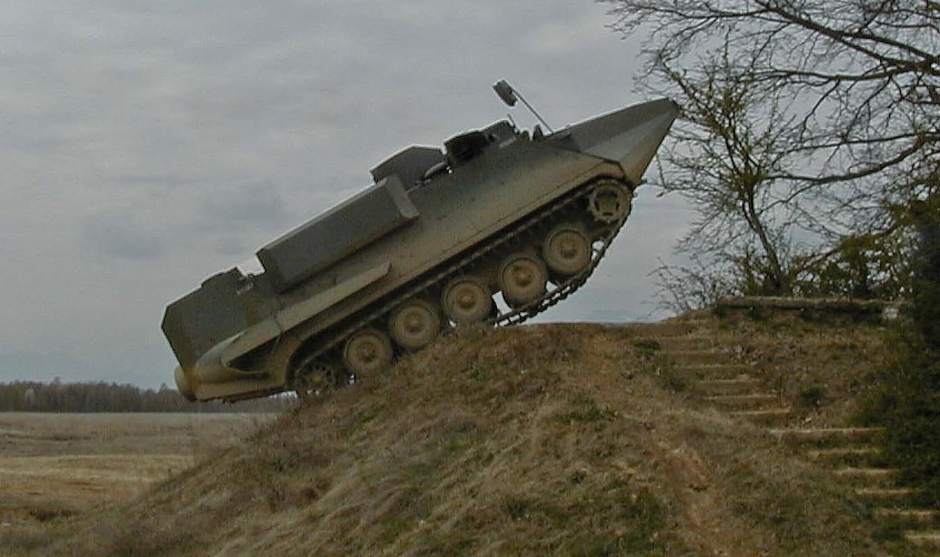 Thiet giap M113 co the tac chien tren bien neu nang cap theo huong nay-Hinh-9