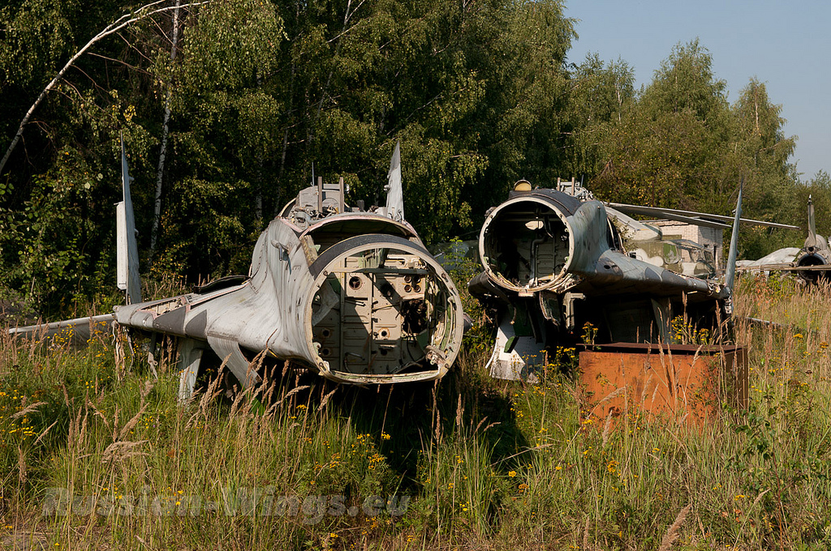 Rung ron noi chon vui xac hang loat tiem kich MiG gan Moscow-Hinh-4