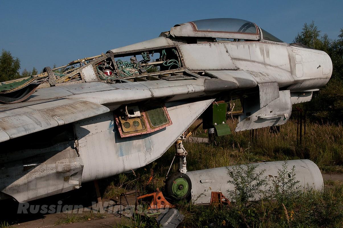 Rung ron noi chon vui xac hang loat tiem kich MiG gan Moscow