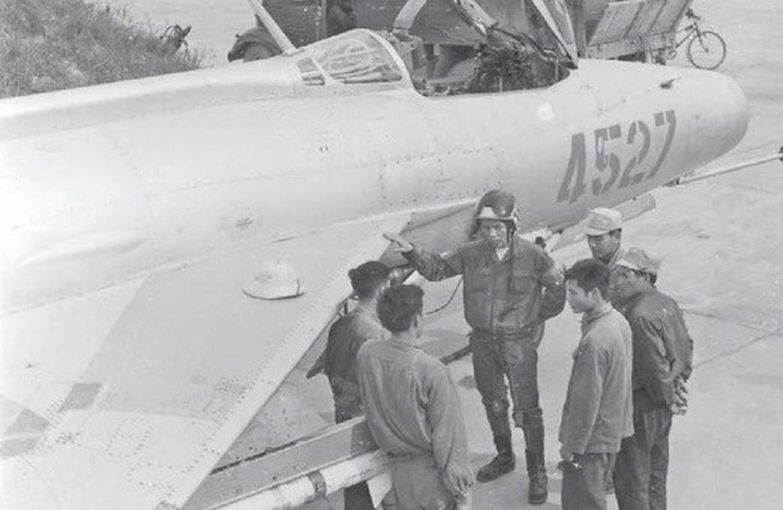 Loat vu khi giup Quan doi Viet Nam