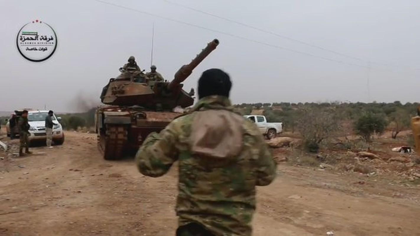 The tham quan doi TNK vut xe tang thao chay o Syria-Hinh-9