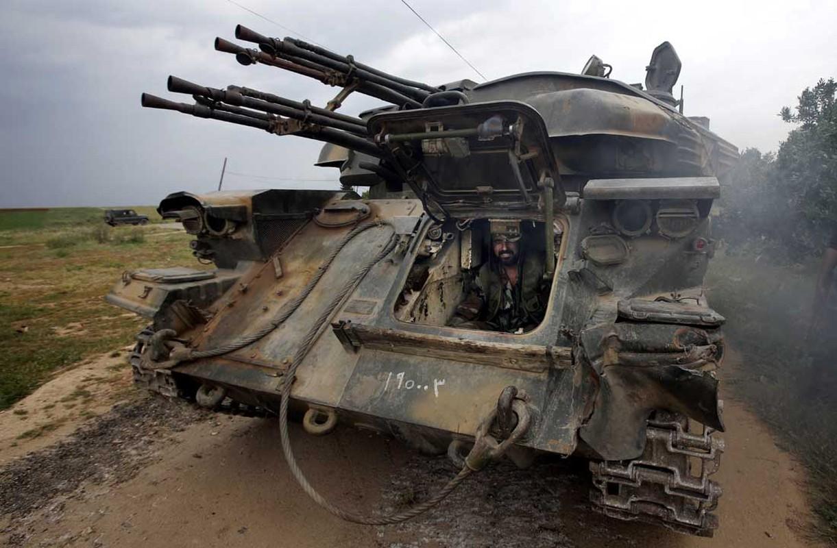 Khung khiep so vu khi Quan doi Syria mat o Homs-Hinh-11