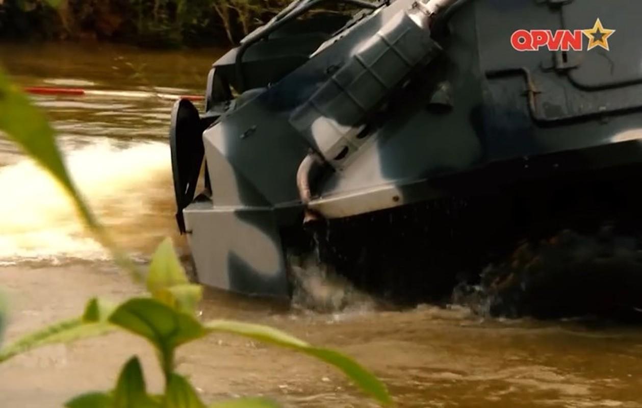 "Viet Nam bat dau nang cap ""taxi chien truong"" BTR-60PB-Hinh-10"