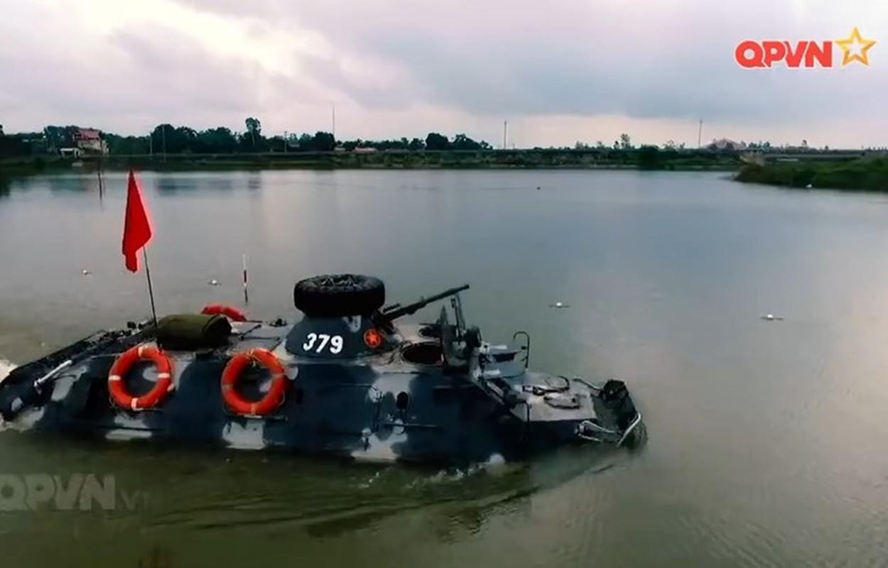 "Viet Nam bat dau nang cap ""taxi chien truong"" BTR-60PB-Hinh-3"