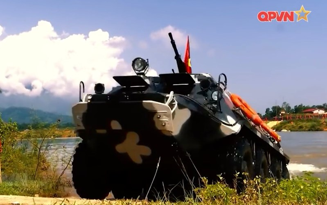 "Viet Nam bat dau nang cap ""taxi chien truong"" BTR-60PB-Hinh-5"