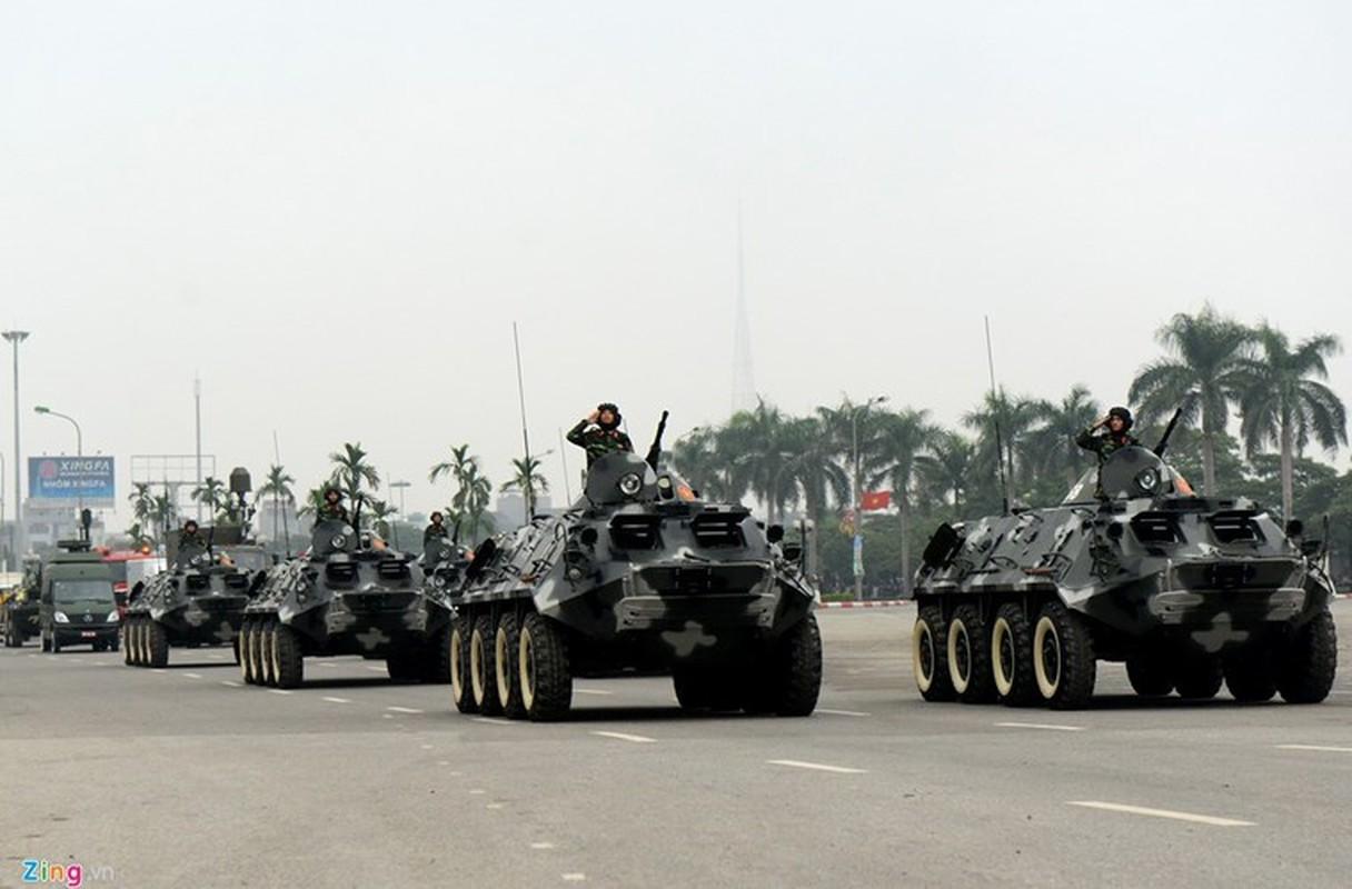 "Viet Nam bat dau nang cap ""taxi chien truong"" BTR-60PB-Hinh-6"