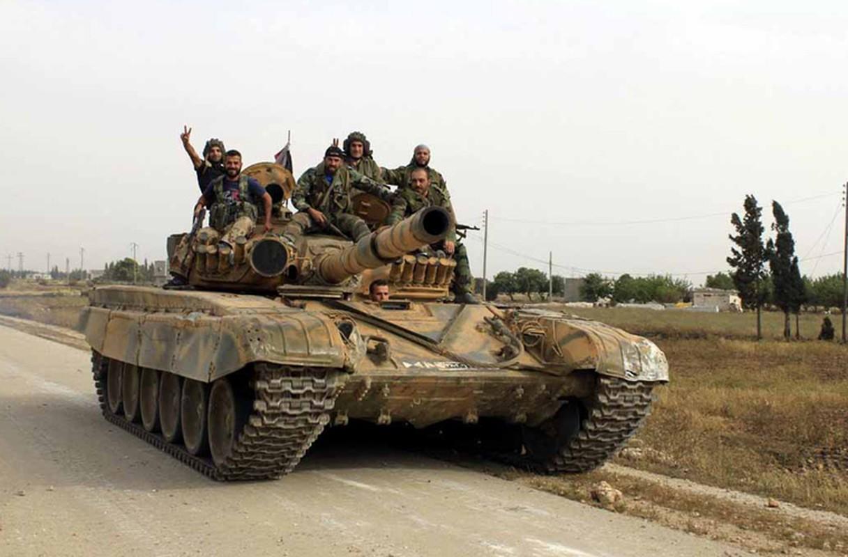 """Phien quan tung xe tang """"khung"""" danh tra Quan doi Syria-Hinh-2"""