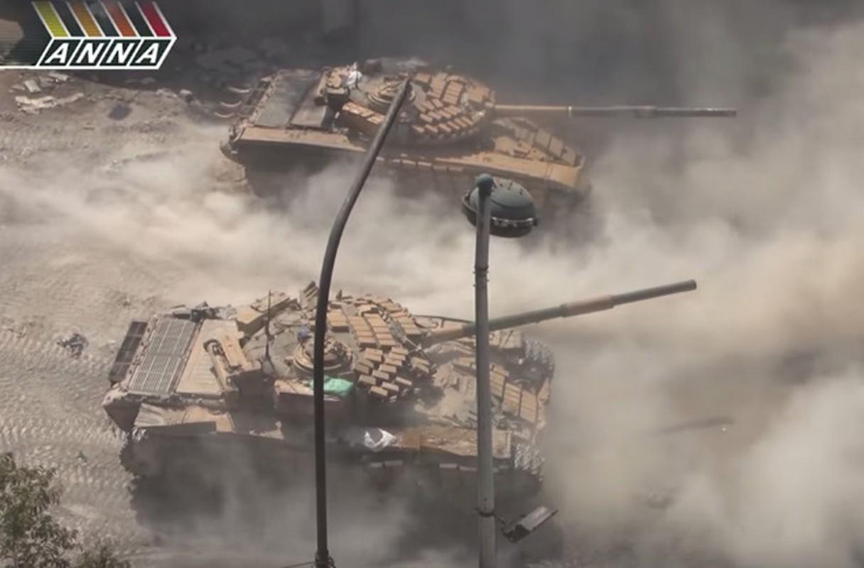 """Phien quan tung xe tang """"khung"""" danh tra Quan doi Syria-Hinh-6"""